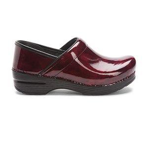 Dansko Red Patent Professional Clogs Size 38